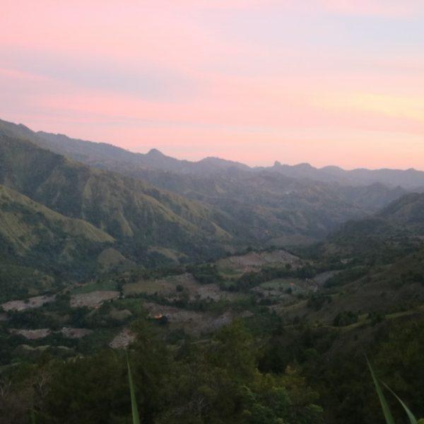 View perjalanan pakai Damri ke Toraja - riyardiarisman.com
